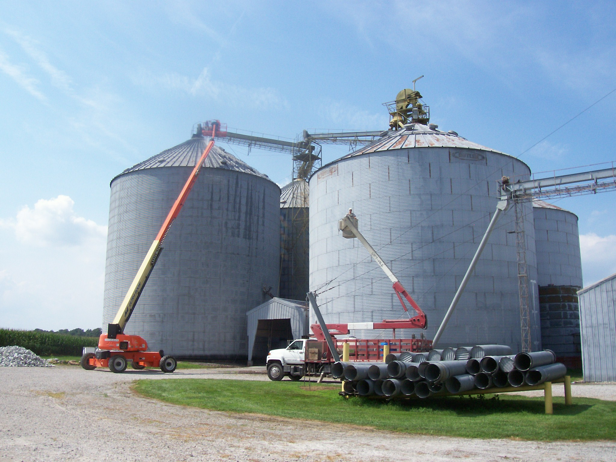 Commercial painter for agriculture gray bins